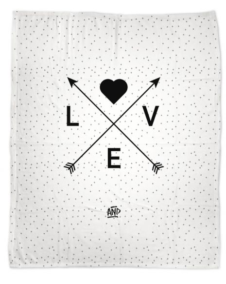 """Love Arrow"" - Kuscheldecke mit Namen"